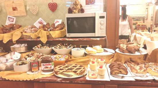 breakfast picture of hotel berna milan tripadvisor rh tripadvisor com sg