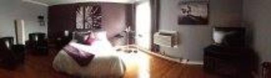 Clarenville, แคนาดา: Jacuzzi Suite - Room 222