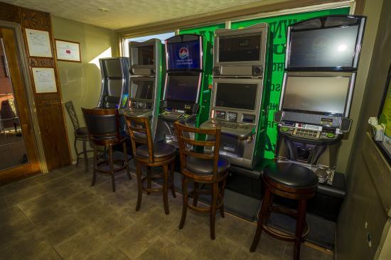 Clarenville, แคนาดา: Wheelhouse Pub VLT Machines