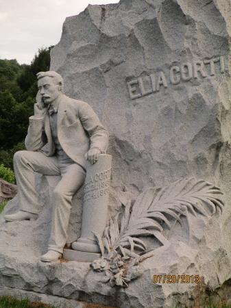 Barre, VT: Beautiful Gentleman Sculpture Monument