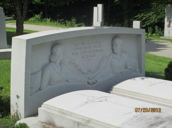 Barre, VT: Husband & Wife Monument