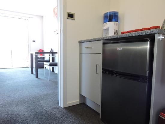 Gore, Nova Zelândia: Studio -  complementary tea/coffee & bar fridge