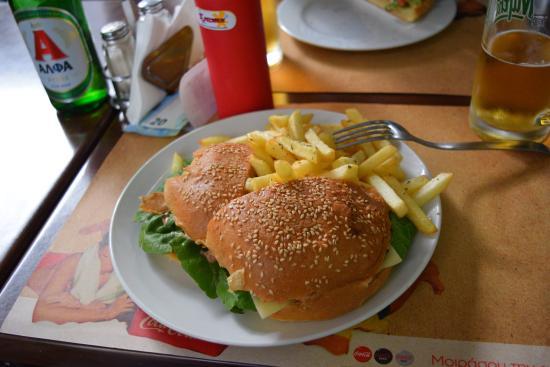 only1: Burger + frytki