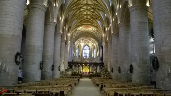 Tewkesbury Abbey: Well worth a couple of hours of your time to visit
