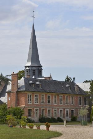 Acquigny, Francia: L'ermitage et l'église Sainte Cécile