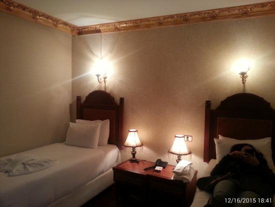 Hotel Sapphire: Triple room