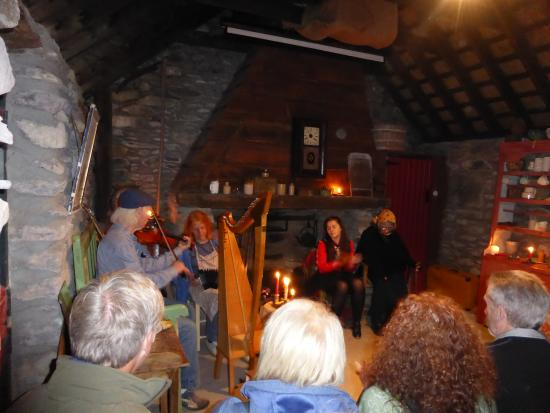 Kenmare, Irland: Traditional Evening of Music and Singing