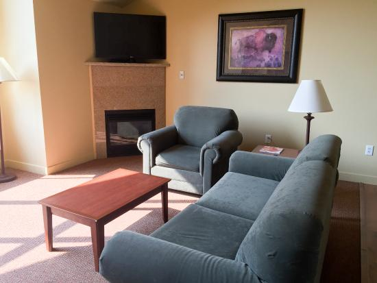 Homewood Suites by Hilton Jackson: Sitting area with Fireplace