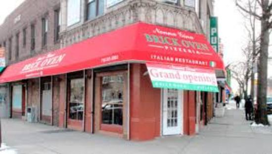 Sunnyside, NY: Good slices...