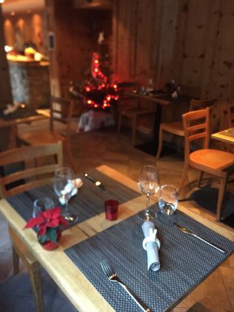 Salvan, سويسرا: L'Union - côté restaurant
