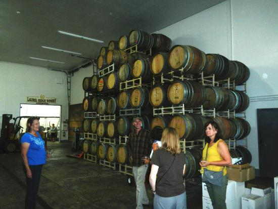 Carlton, OR : Warehouse of wine barrels