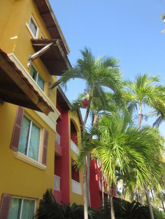 Tropical Princess Beach Resort & Spa: tropical