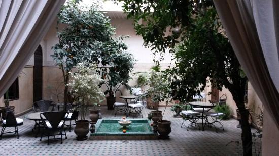 Riad Massiba: vista del giardino interno