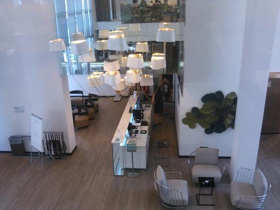 Hotel Valentina: Hall d'entrée vu de la salle petit dèj