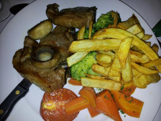 Garstang, UK: Food superb lamb chops