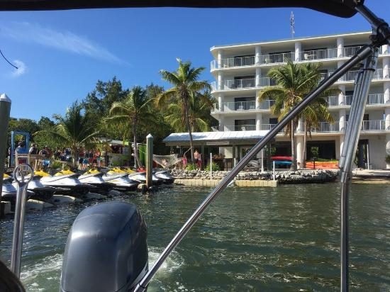pulling away from dock for fun on the boat  picture of  house rentals 33062