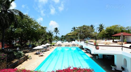 Nyali Beach: One of the many pools of the hotel