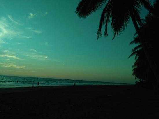 轟基亞灘照片