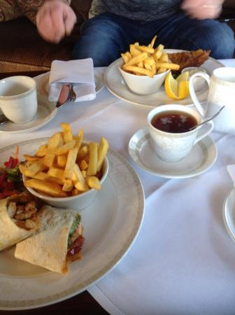 Mohill, Irland: Lunch in the Drawing Room