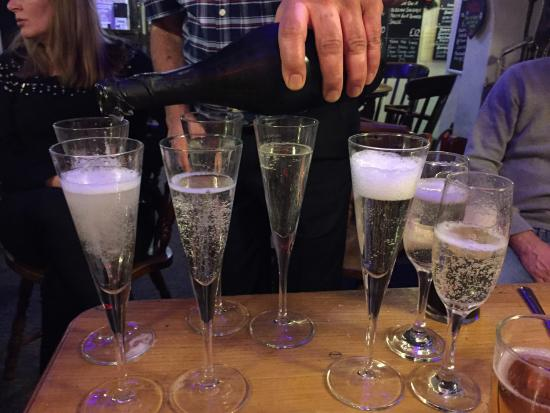 Broughton-in-Furness, UK: Champagne