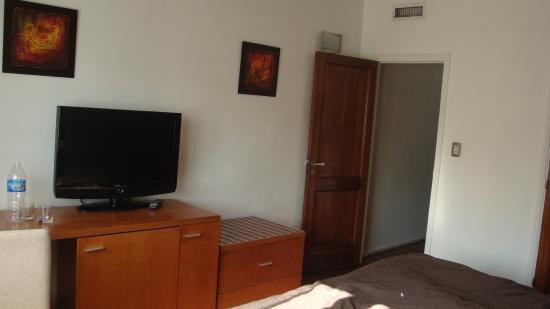 Salles Hotel: Quarto com cama casal