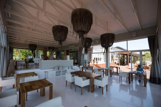 Zitundo, Mozambique: Dinning Area - outside seating available