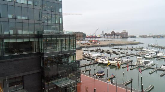 vista al harbour desde la habitaci n picture of four seasons hotel rh tripadvisor com