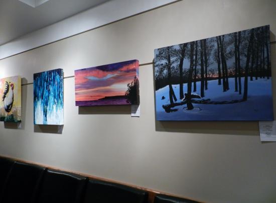 โอเวนซาวน์, แคนาดา: Some artwork from a previous show in the Roxy Theatre Griffon Gallery