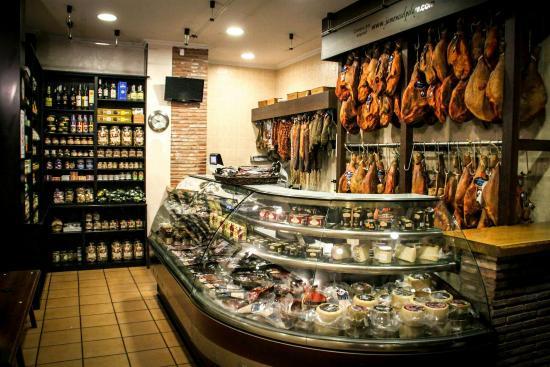 Restaurante restaurante el pelayo salas de los infantes for El salas restaurante