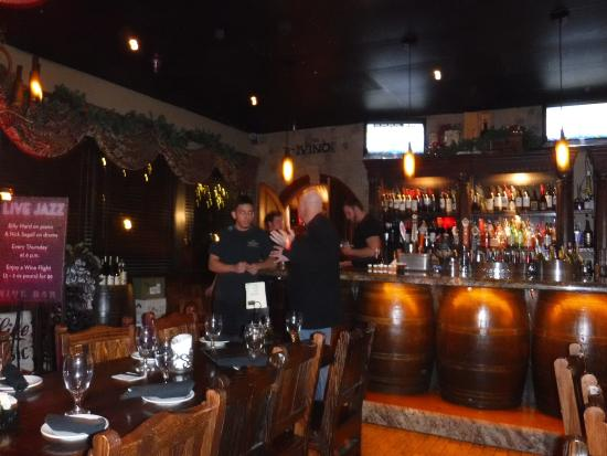 Vincitorio's Restaurant: New Yrs Eve in the Wine Bar