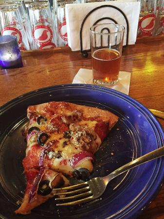 Red Wing Brewery: Perfect Pizza and brew
