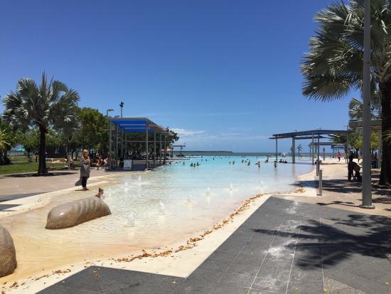 Cairns Esplanade Swimming Lagoon: photo6.jpg