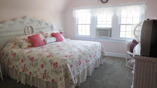 Victoria Bed And Breakfast Beach Haven Nj : Victoria guest house bed and breakfast amber st in