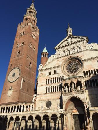 Il duomo e il torrazzo foto di cattedrale di cremona e for Cose cremona