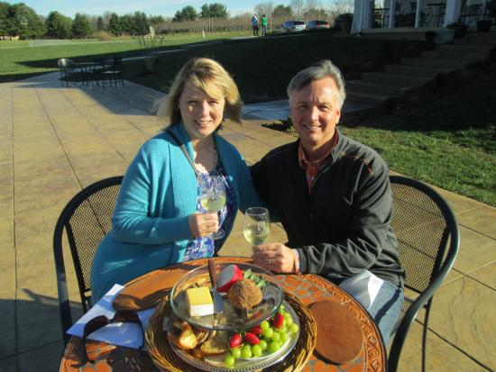 Monticello Appellation Wine Tours : Celebrating Anniversary at Pollak - Chris provided the cheese platter!