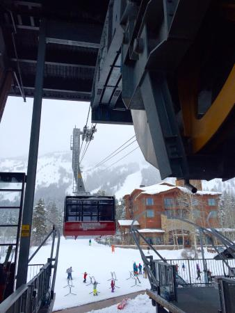 Four Seasons Resort and Residences Jackson Hole: Catching the Tram
