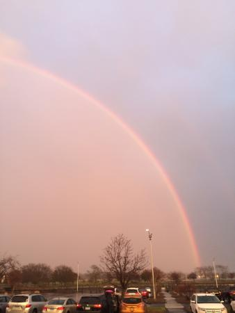 Weston, CT: Nice rainbow when we left