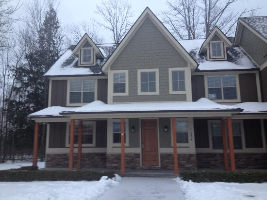 Stanwood, MI: Front of cottage #4