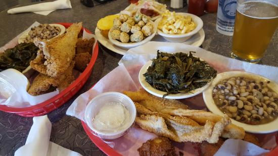 Soul Fish Cafe - Poplar Avenue: We tried many things!