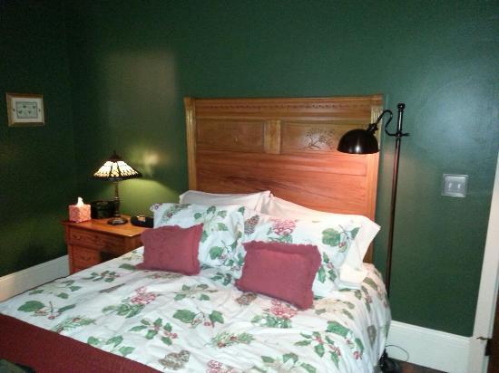 The Laurel Oak Inn: 20160113_162342_large.jpg
