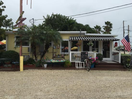 Summerland Key, FL: Side