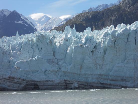 Parque Nacional y Reserva de la Bahía de los Glaciares, AK: Glacier at the North end of glacier bay from cruise ship