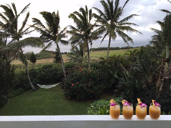 Huelo Point  Lookout: Enjoying Mai Tais on the porch!