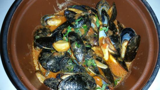 Passione Della Cucina: angry mussels