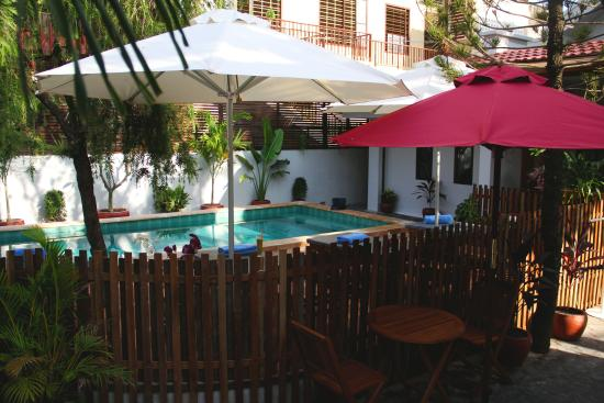 Cozy Boutique Hotel: pool view