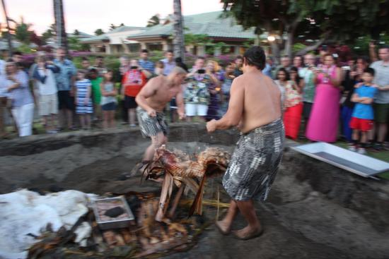 Sunset Luau At The Waikoloa Beach Marriott Unveiling
