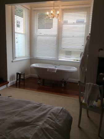Hosking House: lovely lovely bath.