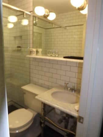 Cosmopolitan Hotel - Tribeca: Bathroom