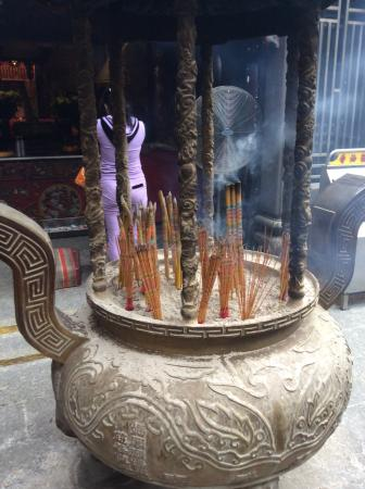 A-Ma Temple (Ma Kok Miu): Lots of insence