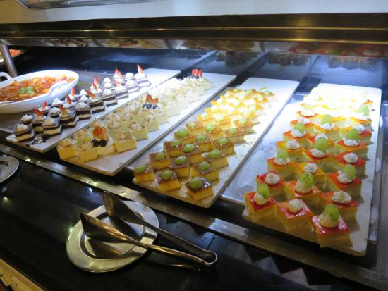 amazing buffet and other restaurants for every person s taste rh tripadvisor ie